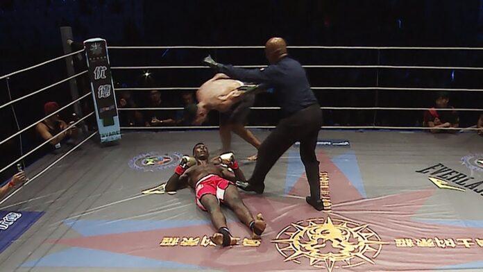Το KO που είχε δεχθεί ο Adesanya το 2017