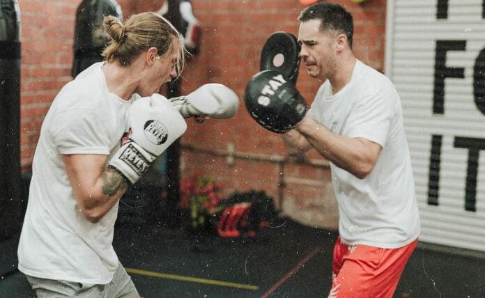Γιατί ο κορωνοϊός «σκοτώνει» τα μαχητικά αθλήματα